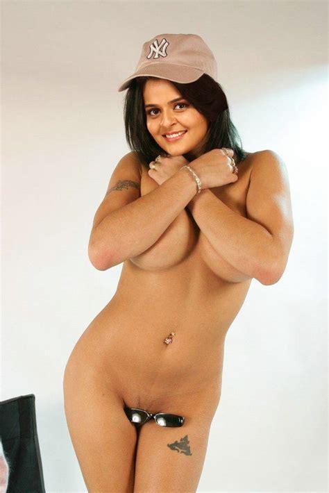 Chaudhary Post Pakistani Lollywood Actress Mujra Hot Photo