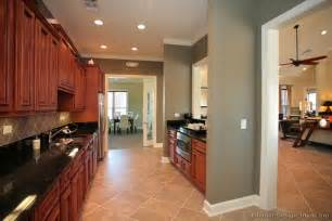 kitchen wall paint color ideas kitchen wall colors with cherry cabinets