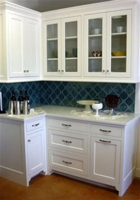 glass kitchen backsplash 1000 images about gray yellow navy kitchen dining room 1227
