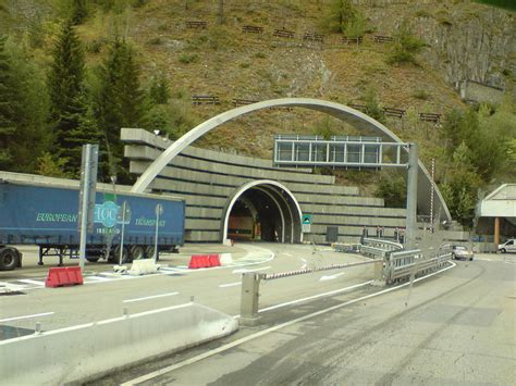 longueur tunnel mont blanc montblansk 253 tunel wikipedie