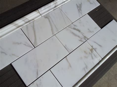 calacatta borghini italian marble  subway tile