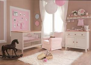 chambre fille tendance deco chambre bebe fille With photo chambre bebe fille