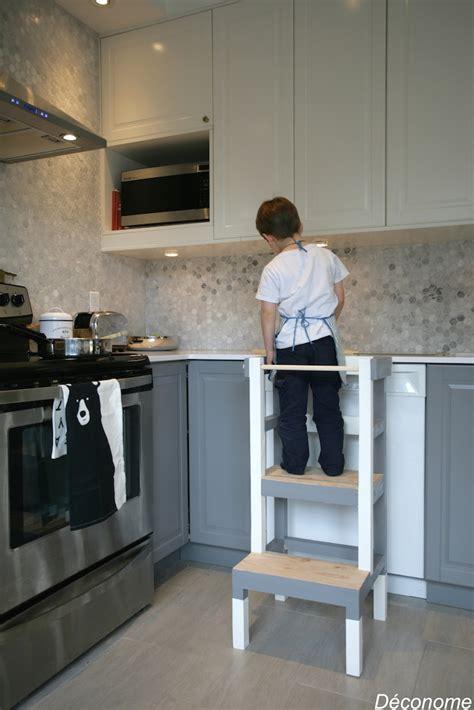 peinturer un comptoir de cuisine fabriquer un tabouret de cuisine pour enfant déconome