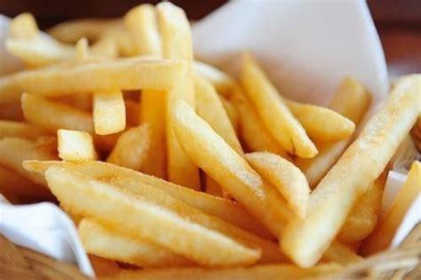 frites maison au four recette frites au four maison peu grasses 750g