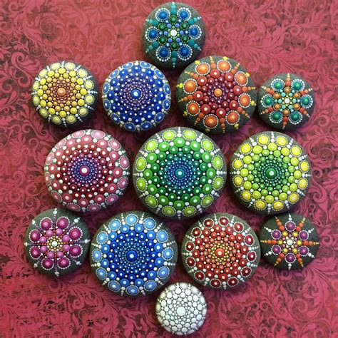 Artist Turns Ocean Stones Into Tiny Mandalas By Painting