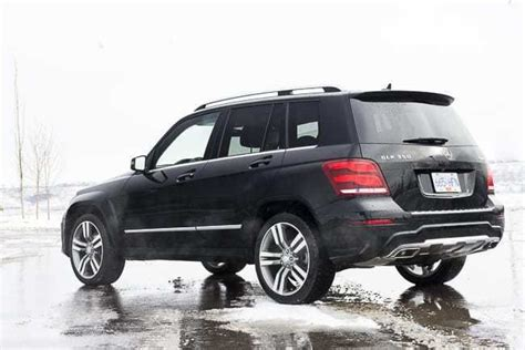 There's hardly a curve to be seen, and the overall ambiance one of durability and functionality rather than. 2013 Mercedes-Benz GLK 350 4MATIC Review