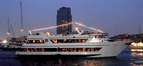 Dinner On A Boat Nyc by Royal Princess Luxury Yacht Charter Ny Boat Charter