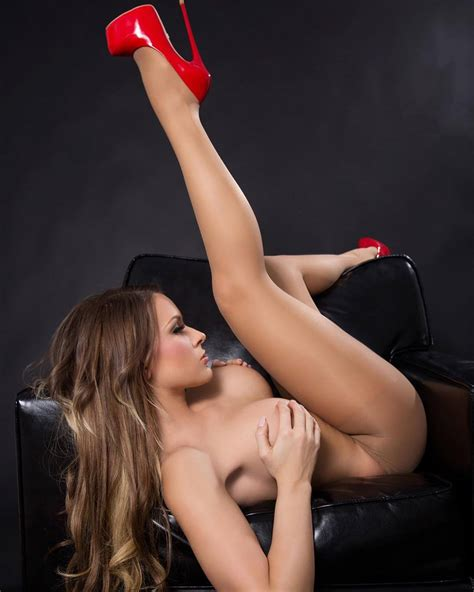 Beautiful Legs In Heels Spread Wide And Dive In Lambstew