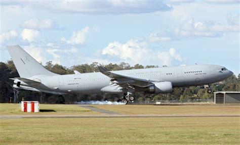 raaf kc 30a arrives australian lands amberley base