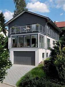Garage Im Keller : einfamilienhaus in hanglage mit garage klassischer bungalow von baufritz fertighaus bauen ~ Markanthonyermac.com Haus und Dekorationen