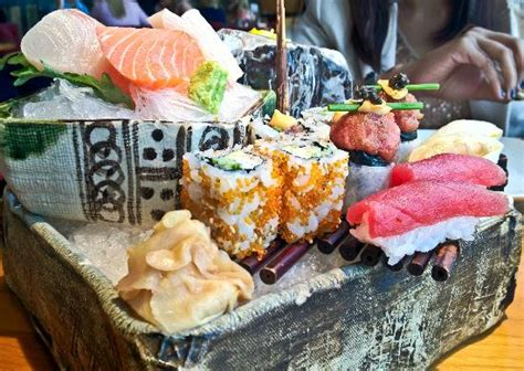 sushi platter fresh fresh fresh picture  zuma