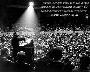 Martin Luther King Famous Quotes With Images - MagMent