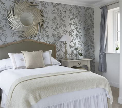 motif wallpaper populer  dinding kamar tidur