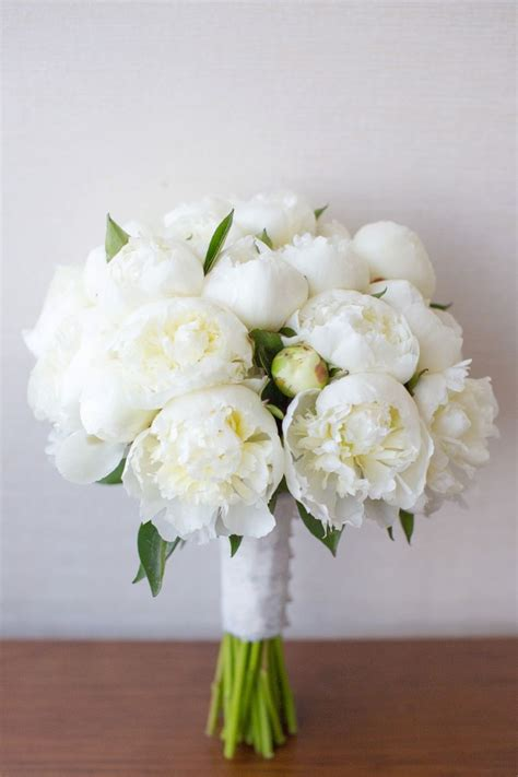elegant navy  white wedding bouquets peony