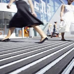 Tapis Essuie Pied : tapis d 39 entr e rigides nuway forbo flooring systems ~ Teatrodelosmanantiales.com Idées de Décoration