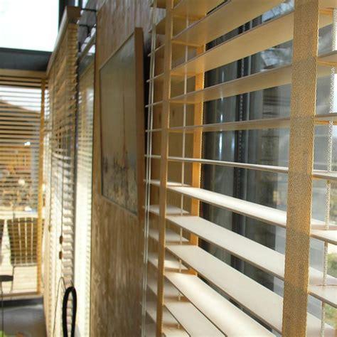 store vénitien bois store v 233 nitien bois large lame et galon