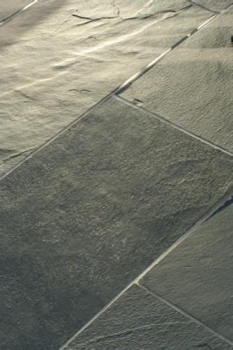 linoleum floors for kitchen vinyl floor looks like slate vinyl flooring faux slate 7126