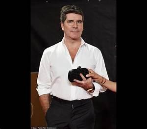 Simon Cowell em 'apuros' com braguilha SAPO Lifestyle