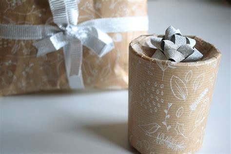 wrap  present  circular