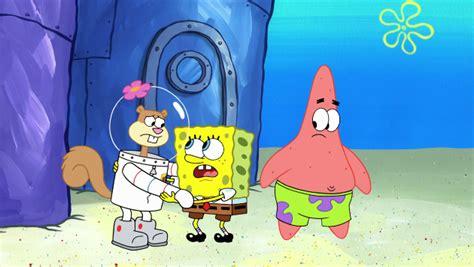 Spongebob Is Comforting Sandy By Suziemaggo On Deviantart