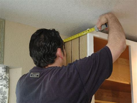 install crown molding  kitchen cabinets  tos diy
