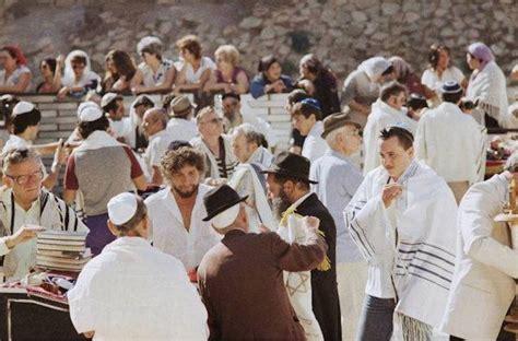 Nobel Prize Winner Bob Dylans 5 Most Jewish Moments