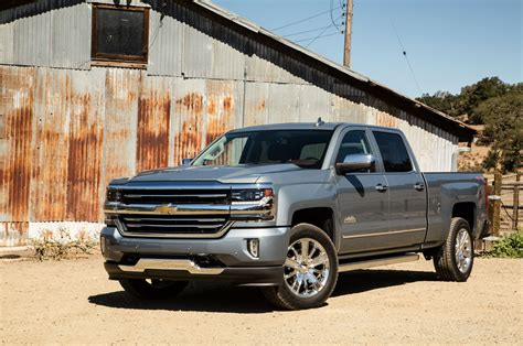 top  features    chevrolet silverado