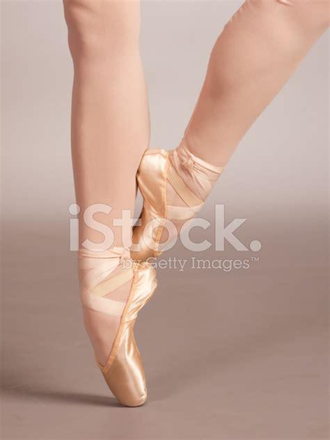ballerina feet  pointe stock  freeimagescom