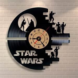 Star Wars Wanduhr : 1001 ideen f r weihnachtsgeschenke f r m nner ~ Frokenaadalensverden.com Haus und Dekorationen