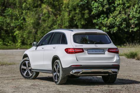 2017 mercedes benz glc250 amg spec 2.0 4matic high spec unreg17 sales tax season offer. Mercedes Benz GLC 200 - RM37,000 lebih murah dari GLC 250 | Careta