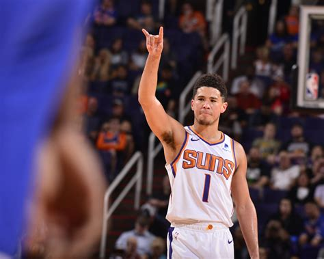 Booker was born in 1996 in grand rapids, michigan to parents veronica gutierrez and melvin booker. Devin Booker becomes youngest player in NBA history with ...