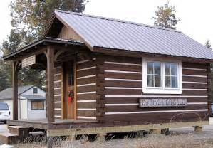 Small Portable Log Cabins for Sale