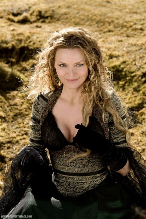 Hot Pictures Of Michelle Pfeiffer Van Dyne