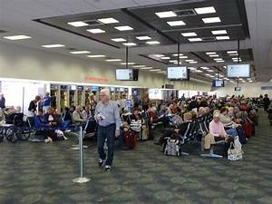 Panoramio - Photo of Ft. Lauderdale airport boarding gate