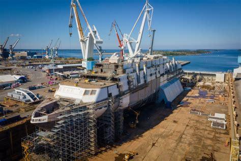 Raumas kuģu būvētavā Somijā šodien tiek kristīts Tallink ...