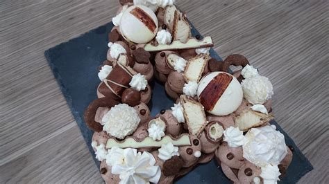 Je suis partie sur un number cake façon fantastik en reprenant des recettes de christophe felder, christophe michalak ou bien 30 réflexions sur number cake façon fantastik chocolat noisettes. Number cake au chocolat - Un Délice de Cacahuètes