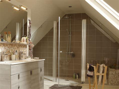 bains de si鑒e salle de bains sous les combles un espace de bien 234 tre
