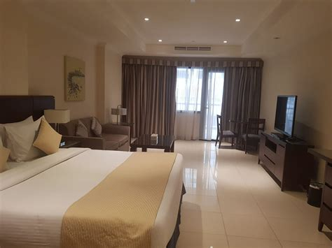 deal studio fully furnished in the pearl qatar living