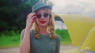 Emma Roberts Ahs Freak Show Character - SelebrityToday