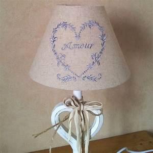 Abat Jour Pour Lampe Sur Pied : lampe pied blanc en bois coeur abat jour lin brod ~ Melissatoandfro.com Idées de Décoration