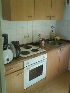 Kleine Küchenzeile Günstig : h bsche kleine k che neuwertig g nstig f r ~ Michelbontemps.com Haus und Dekorationen
