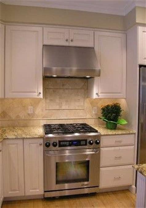range stove hood  placement  decorative