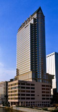 100 North Tampa - Wikipedia