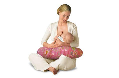 Posizioni Cuscino Allattamento Il Cuscino Per Allattamento Boppy Periodo Fertile