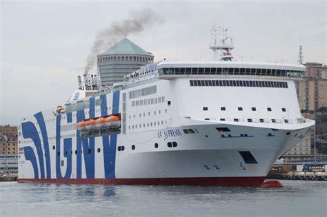 nave la suprema gnv propone il weekend di capodanno a barcellona
