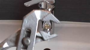 Duschkopf Entkalken Tüte : duschkopf entkalken um die armaturen zu schonen duschkopf entkalken selber machen youtube ~ Markanthonyermac.com Haus und Dekorationen