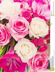 Fleur Rose Et Blanche : la couture faite main fausse de fleur rose et blanche fleurit photo stock image du frais ~ Dallasstarsshop.com Idées de Décoration