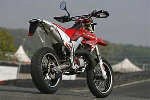 Supermotard 125 2t : prova comparativa supermotard 125 due tempi motociclismo ~ Medecine-chirurgie-esthetiques.com Avis de Voitures