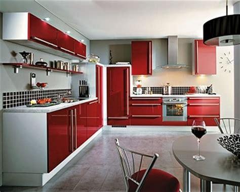 cuisine couleur bordeaux brillant vive la couleur tendance bordeaux