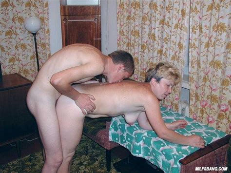 Mature Slut Doing Her Young Lover 2870 Page 3
